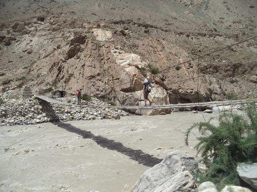 Puente Jola a Askole